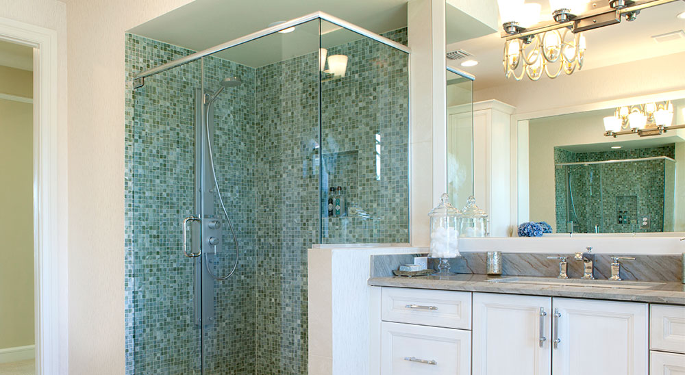 At Royal Glass, we value quality and exceptional customer service in every project.